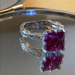 Jewelry - Gorgeous Pink Ring